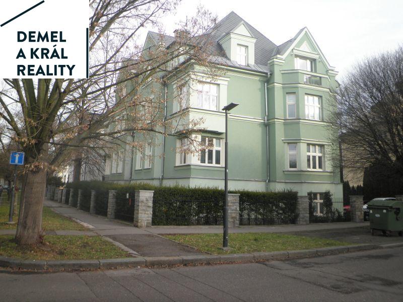 Pronájem kanceláří 56 m2 v Komenského sadech.