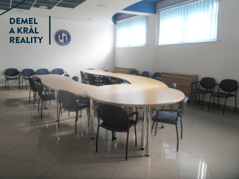 Kancelář + zased. n přednášk. míst., 84 m², OV Přívoz, Teslo
